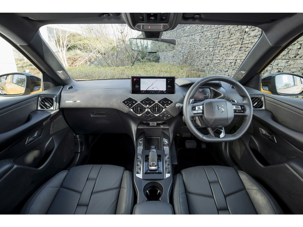 New DS3 Crossback Interior Motability